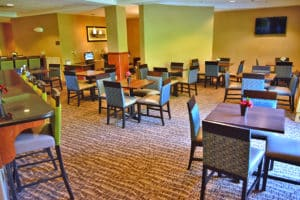 Comfort Suites Amish Country breakfast area