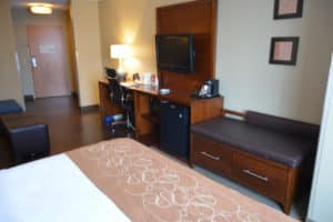 Comfort Suites Amish Country suite